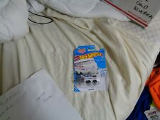Hot Wheels Kool Kombi Magnus Walker in white 1/64 scale