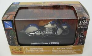 Indian Motorcycle – Indian Four 1939 – 1:32 – New Ray Toys