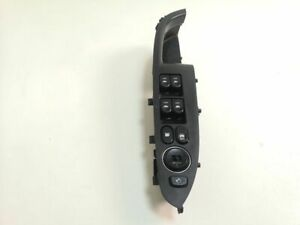 Hyundai i30 2010 Left front Electric window control switch 935722R000 AME2788