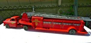 1950s Vintage MARX LUMAR V.F.D. HOOK & LADDER FIRE TRUCK NO.9