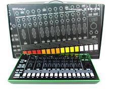 Roland AIRA TR-8 Rhythm Composer mit 909, 808, 707, 727, 606 Expansions + Gewähr
