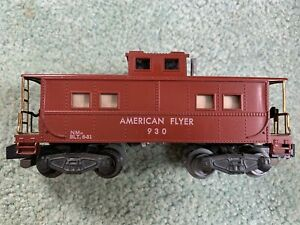 American Flyer #930 brown/tuscan caboose RARE AMERICAN FLYER lettering knuckle