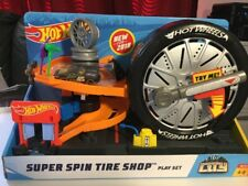 Hot Wheels Super Spin Tire Shop Play Set