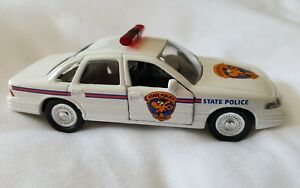 Road Champs Geoffrey State Police Diecast Vehicle 1:43 Scale 1997