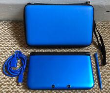 * Nintendo 3DS XL * Azul y Negro Portátil De Consola Con Cargador Usb, Stylus Y Estuche