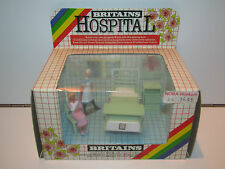 VINTAGE BRITAINS HOSPITAL No 7852 NURSE & PATIENT MIB 1980s