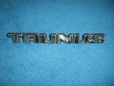 Emblem / Badge Ford Taunus 16,5 cm lang, 3 Befestigungsstifte Pins