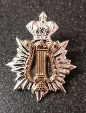 SILVER STAR & CROWN CAP BADGE WITH GOLD MUSIC LYRE