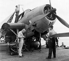 WW2 Photo WWII US Navy TBM Avenger Torpedo Loading   World War Two/ 5343