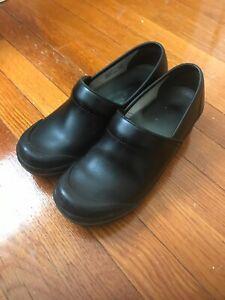 """DANSKO"" Black Leather Clog Close Back Shoes Sz.US 8.5-9 EURO 39"