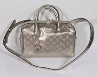 Neu GUESS Handtasche Schultertasche Box Bag Peony shine Champagne 4G Logo 145