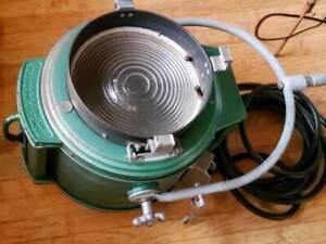 Antique Fresnel 2000W Movie Spot Light w/ Durable Industry Tripod + Extra Blub
