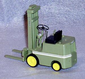 Clark 1957  forklift fork lift truck 1/25 MINT IN BOX