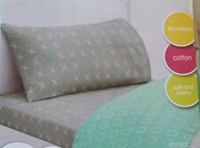 "SINGLE BED GIRLS "" X0X0  "" FLANNELETTE 3 PCE SHEET SET. HUGS AND KISSES PRINT"