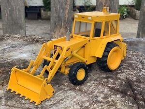 1/35 scale Conrad 2951 Massey Ferguson 50B backhoe loader tractor digger
