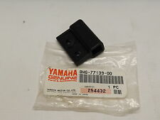 NOS YAMAHA 8M6-77139-00-00 WINDSHEILD / SHROUD HOLDER SRX440 VMX540