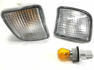 Pair Front Clear Signal Bumper Lights for 98-00 Toyota Tacoma 4WD / PreRunner