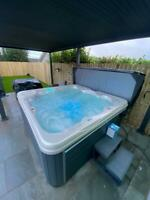 """New 2021 Design """"THE LUNA""""  5 Person Hot Tub With Balboa Control System 75 JETS"""