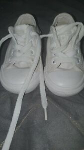 Baby girl/boy white  trainers converse size Uk 4 Eur 20 laces