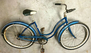 Schwinn Hollywood bike original fenders, saddle, chain guard 1962