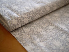 Baumwoll-Druck, Baumwollstoff, BLUMEN, ORNAMENTE grau-weiß