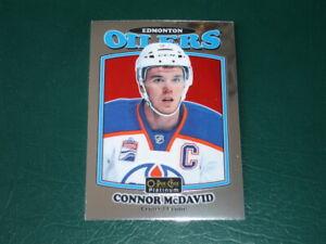 2016-17 Connor McDavid Oilers Center O-Pee-Chee Platinum Retro Card R-25 F/S