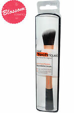 Real Techniques Brushes Foundation Brush - Angled Cut - Precise Foundation Brush