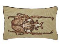 DUTCH DECOR housse de coussin VOTRO scarabée brodé 30 cm* 50 cm sofa cushion