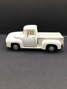 1956 Ford F-100 Pickup Truck Die-Cast 1:24 Scale White