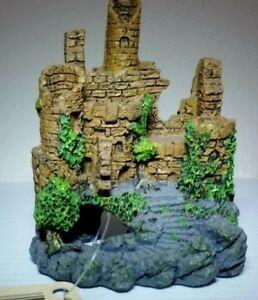 "Blue Ribbon Exotic Enviroments  ""Old Castle "" Aquarium Decor  4"" Tall"