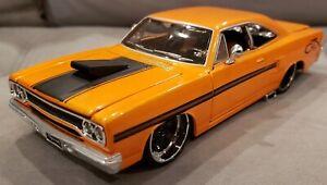 Maisto All Stars 1970 Plymouth GTX Orange Diecast Car