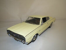 "Ertl/Authentics  Dodge  Charger  383  ""1966""  (hellgelb) 1:18  ohne Verpackung !"