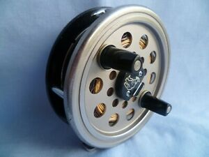 VINTAGE DAIWA 734 FLY FISHING REEL WITH CASE / POUCH & LINE SALMON TROUT