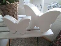2 Schmetterlinge Schmetterling Keramik    weiß lasiert Landhaus Figur Deko