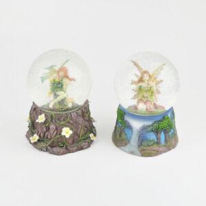 2 Schneekugeln - Elfe - Elfen - Fantasy - Sockel - Glitzerkugel