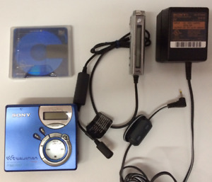 Sony MD Walkman MiniDisc MZ-NF610 Type S with Remote / AC Adapter NON FUNCTIONAL