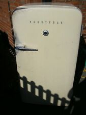 More details for vintage fridge prestcold 1950's  does not work no gas relist due to non payer