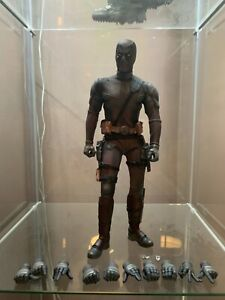 Hot toys deadpool 2 dusty version exclusive Marvel batman Spider-Man