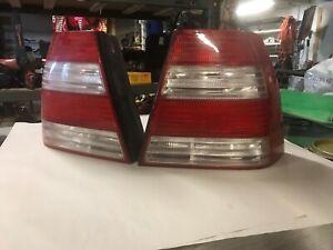 2004-2005 Volkswagen Jetta Sedan LH & RH Right Left Tail Lights OEM 04 05 Pair