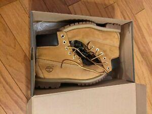 Timberland Waterproof Classic Boots 10361 Women Size 7.5 LIKE NEW IN BOX