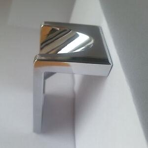 Möbelgriff Edelstahl BA16 Griffe Designer Stück Massive NEU Knopfgriff Metal NEW