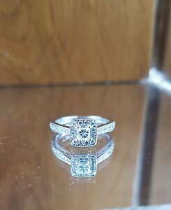 STUNNING 18ct White gold 0.75ct Halo emerald cut diamond ring - FREE SIZING