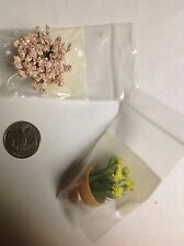 Dollhouse miniatures Planters with flowers