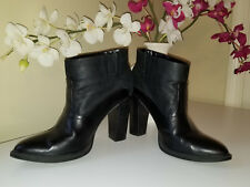 "CROWN VINTAGE ""KILEY"" Black Ankle Boots Pull On High Chunky Heel Sz. 9,5 B"