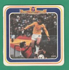 FOOTBALL - FOSTERS LAGER BEERMAT - SPORTING GREATS - ZICO - 1995