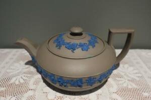 Antique Wedgwood Drabware Jasperware Teapot - C 1830 - Blue On Olive - Repaired
