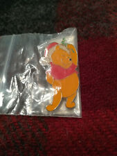 New Old Stock VTG DISNEY PIN Christmas Winnie The Pooh Bear with Mistletoe 2631