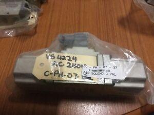 Smc solenoid Valve vs4224 ac240 volt