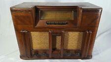 Vintage 1940's Silvertone Tube Radio Model 7037