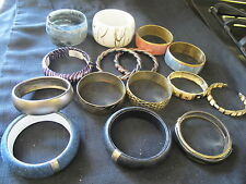 BANGLE BRACELETS LOT 15 LUCITE WHITE GOLD CHUNKY GRAY SWIRL ENAMEL MORE